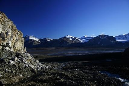 Wychodnie anhydrytu i zatoka Petunia. Fot. J. Małecki