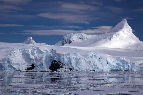 Lodowiec na wybrzeżu Antarktydy. Fot. J. Auch