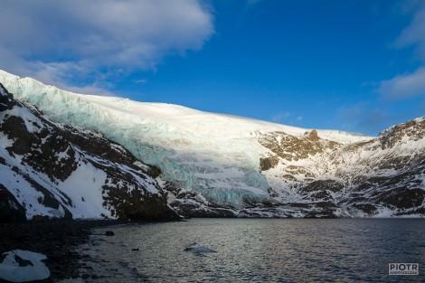 Lodospad Dery (Dera icefall) na Wyspie Króla Jerzego, Szetlandy Południowe, Antarktyka. Fot. P. Andryszczak (za zgodą autora).
