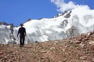 Harold na tle Lodowca Młodzieży. / Harold and Molodezhny glacier. Fot. JM