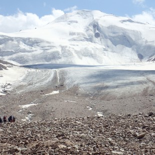 Lodowiec Tuyuksu. / Tuyuksu Glacier. Fot. JM