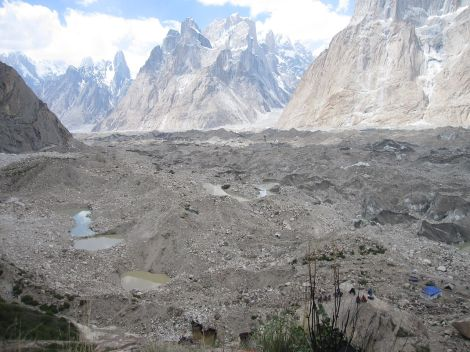1280px-Baltoro_from_Urdukas_campsite